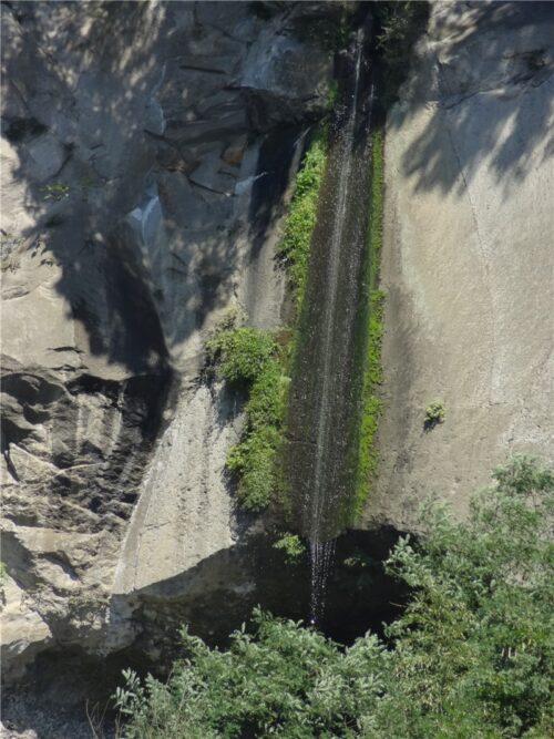 棚下不動の滝
